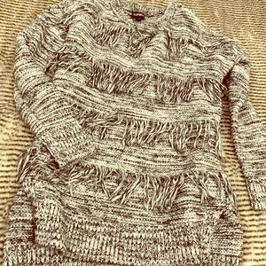 FRINGED EXPRESS SWEATER